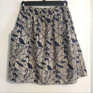 Cute Everly skirt with pockets, fits like a 2